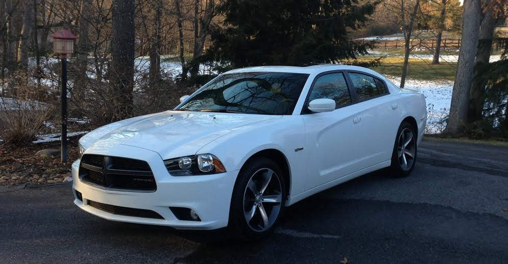 a quick comparison of the dodge charger vs ford mustang. Black Bedroom Furniture Sets. Home Design Ideas