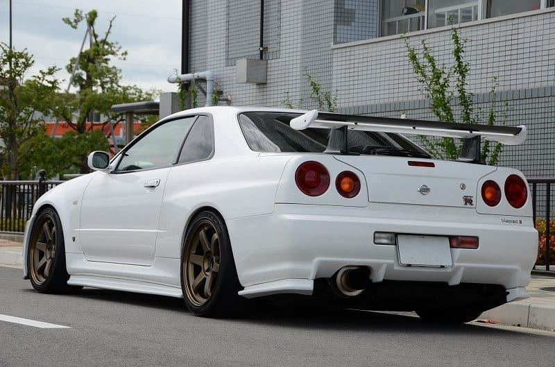 Why Nissan Skyline GT-R series are illegal in USA? | PrettyMotors.com