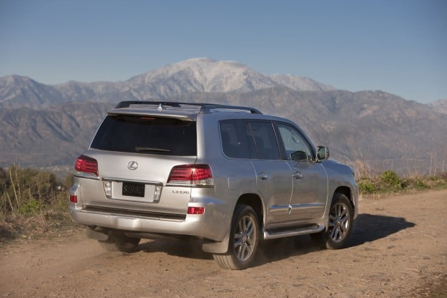 top 10 suvs and crossovers for tall drivers for 2014. Black Bedroom Furniture Sets. Home Design Ideas
